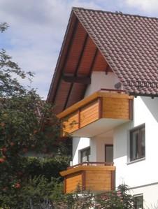 http://www.zimmerei-kuhn.de/media/Balkon/Balkon3.JPG